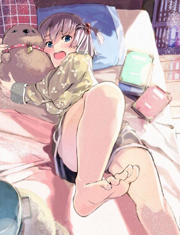 【一本ずつ舐めたい】自室にて裸足でくつろぐ女子達の二次画像 【5】