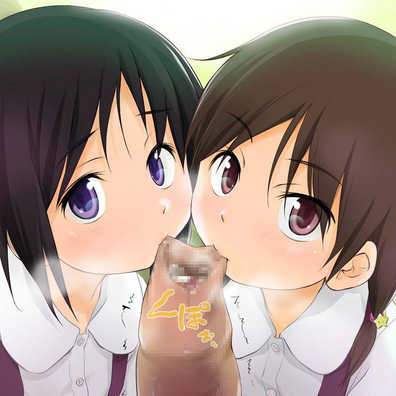 【ダブルフェラ】2人の女の子が両サイドからチンコを責める二次エロ画像【1】