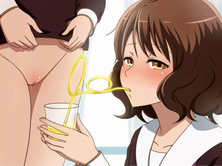 【第四のビール!?】ションベン飲んでる女子達の二次エロ画像【2】