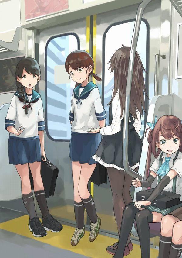 【日常の風景】電車に乗る女子達の二次画像【33】
