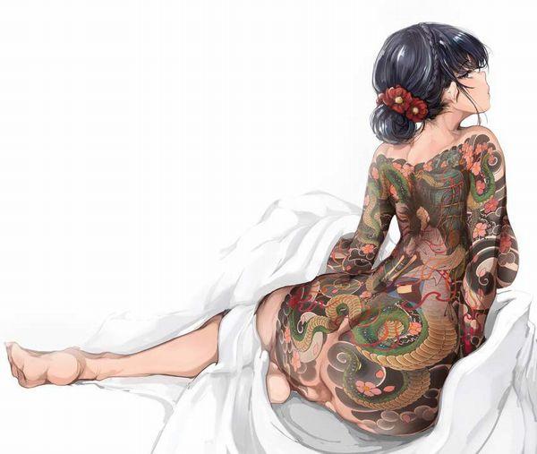 【日常生活に支障が出るレベル】ガッツリタトゥーが入った女性の二次エロ画像【10】