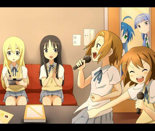 【放課後の定番】カラオケを楽しむ女子高生達の二次画像【25】