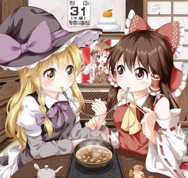 【年越し】蕎麦を食べてる女子達の二次画像【1】