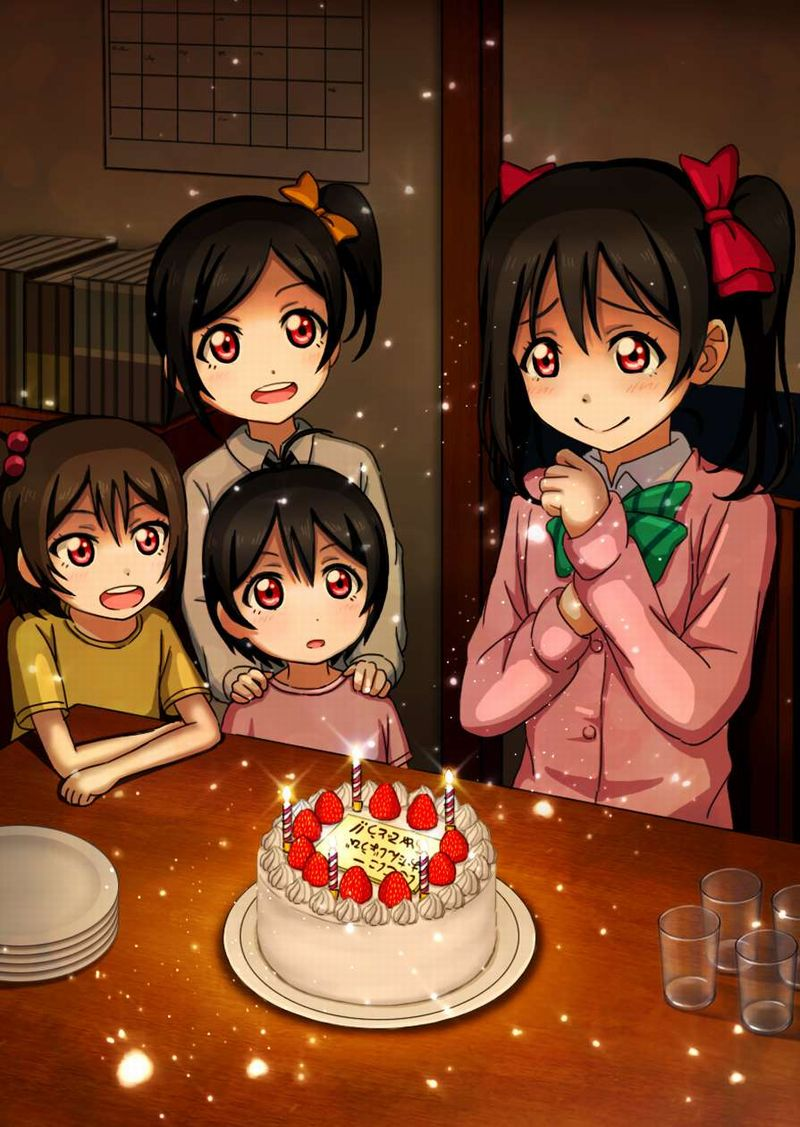 【HAPPY BIRTHDAY】ケーキと共にお誕生日を祝って貰ってる女子達の二次画像【3】