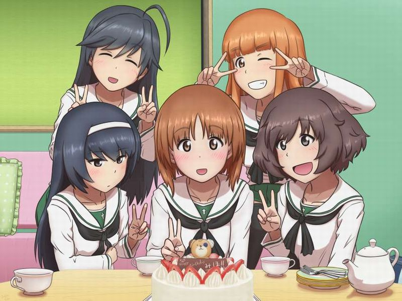 【HAPPY BIRTHDAY】ケーキと共にお誕生日を祝って貰ってる女子達の二次画像【10】