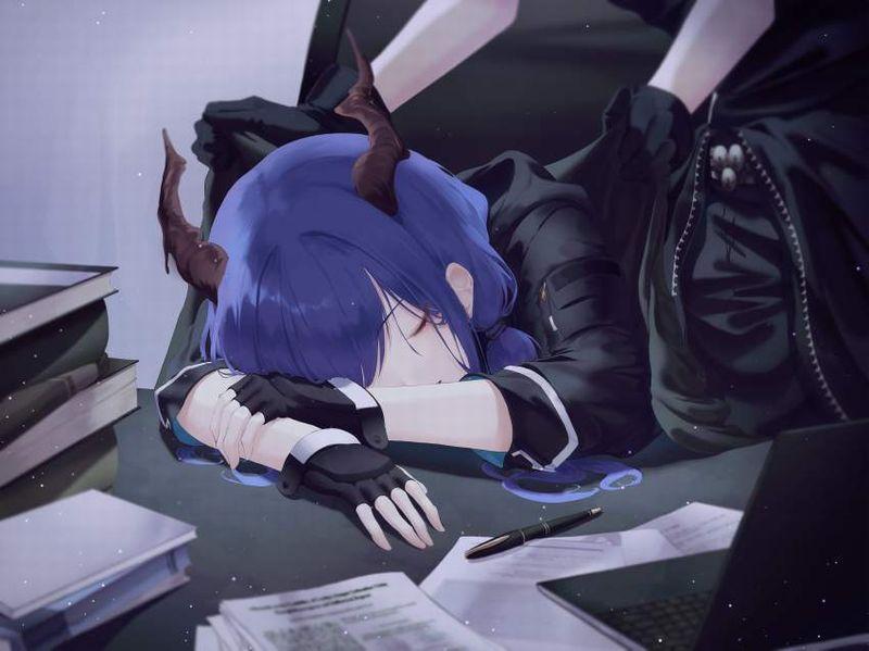 【仮眠】デスクに突っ伏してうたた寝してる女子たちの二次画像【13】
